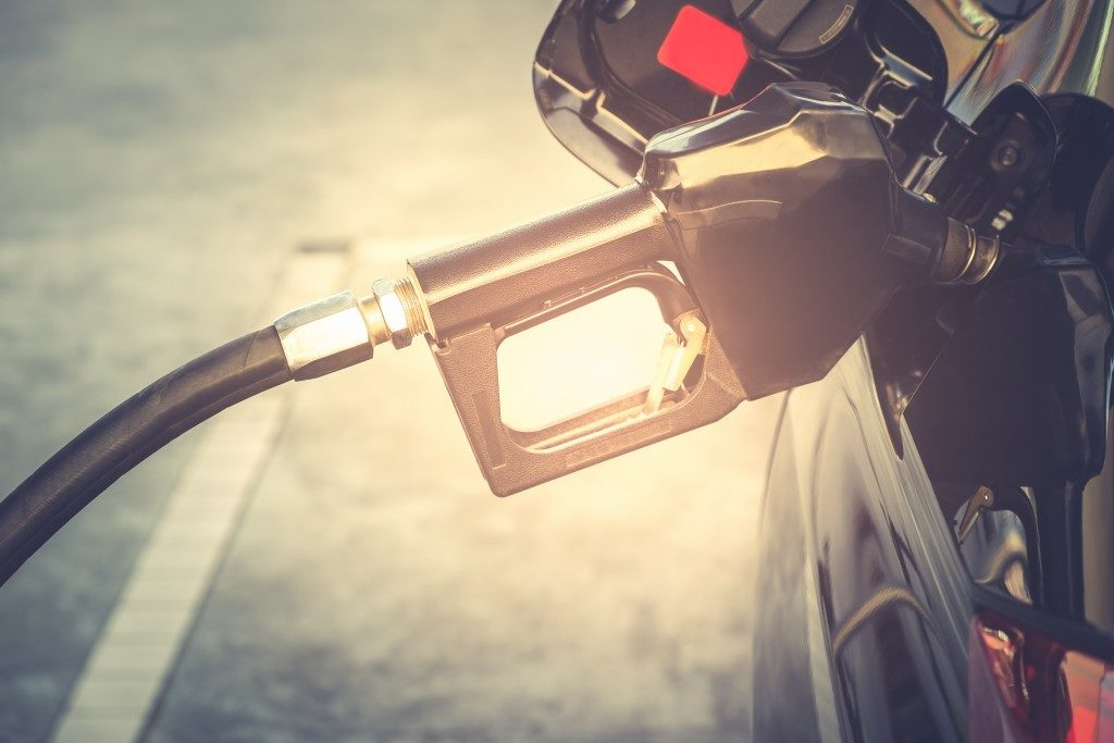 putting gasoline