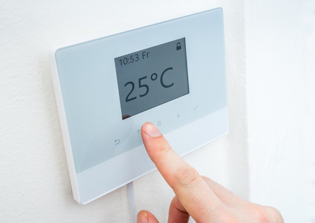 digital central thermostat control